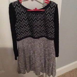 Girls size 8 lined dress worn 2 times!